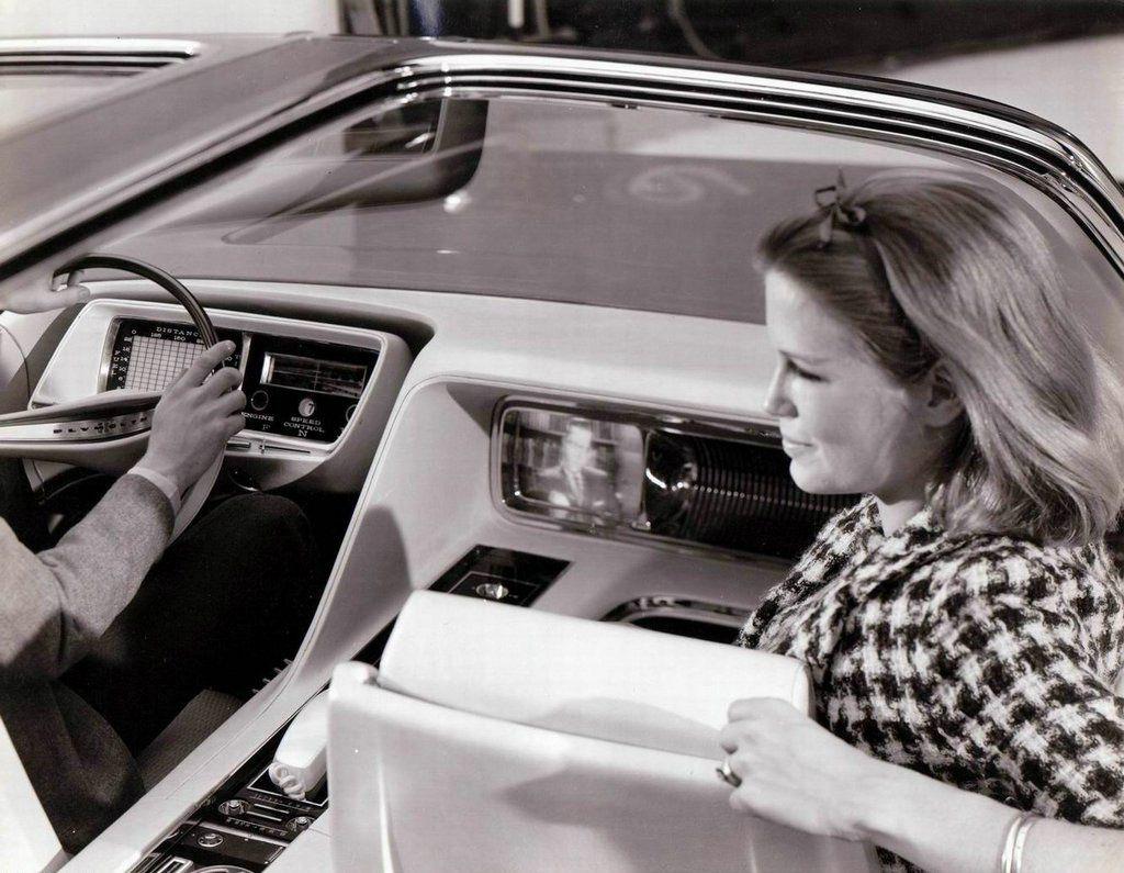 1965_Plymouth_Fury_VIP_Showcar_interior_04