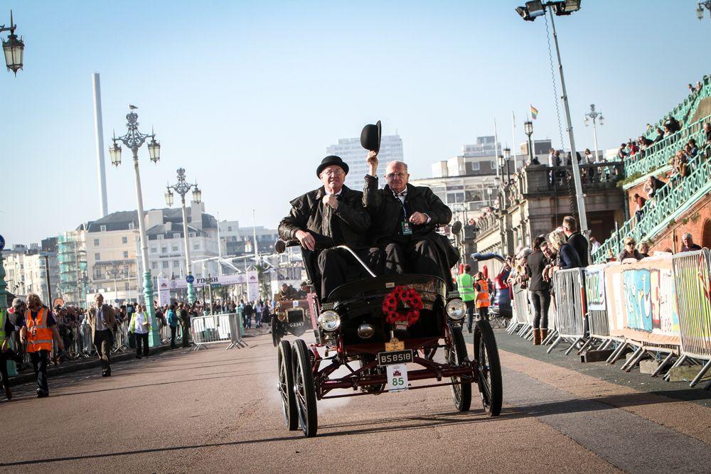 London-Brighton 2015: el sol salió para los veteranos
