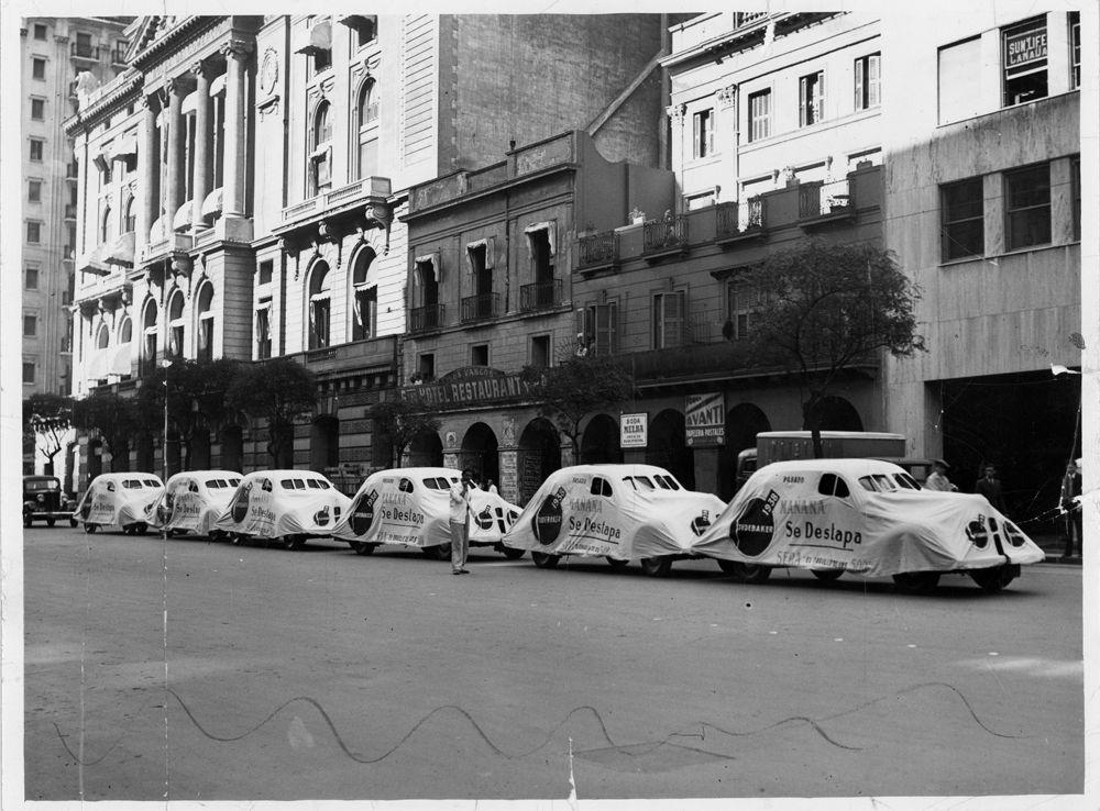 Studebaker caravana lanzamiento 1938 en Avenida Leandro N. AlemCABA_Diario La Razon_Dic10 1937_Argentina