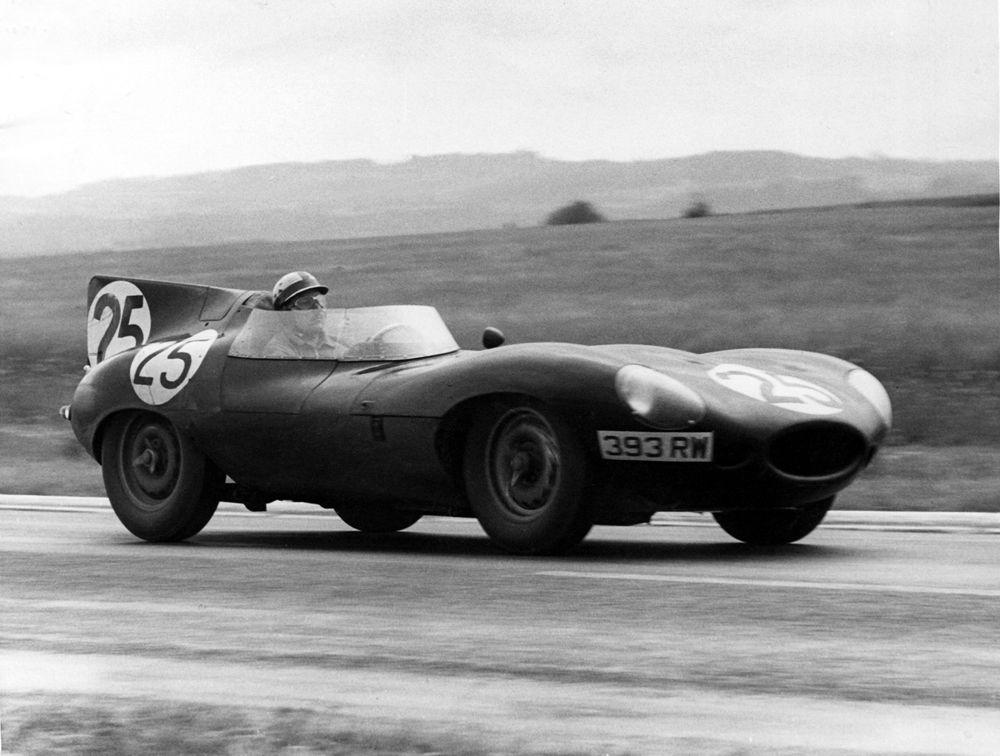 858315_1956 Reims Bueb Jaguar D-type 393RW