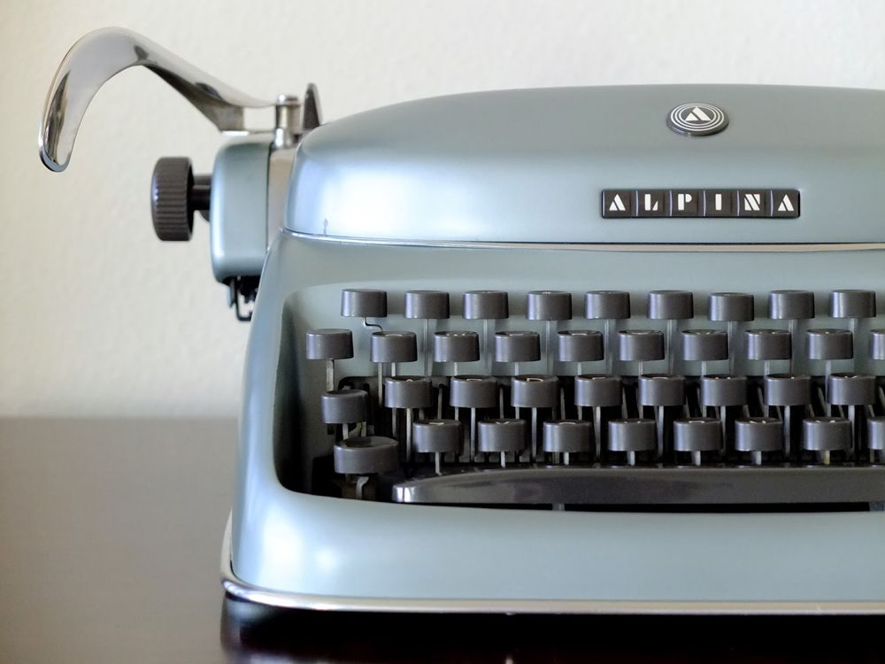 Alpina typewwriter