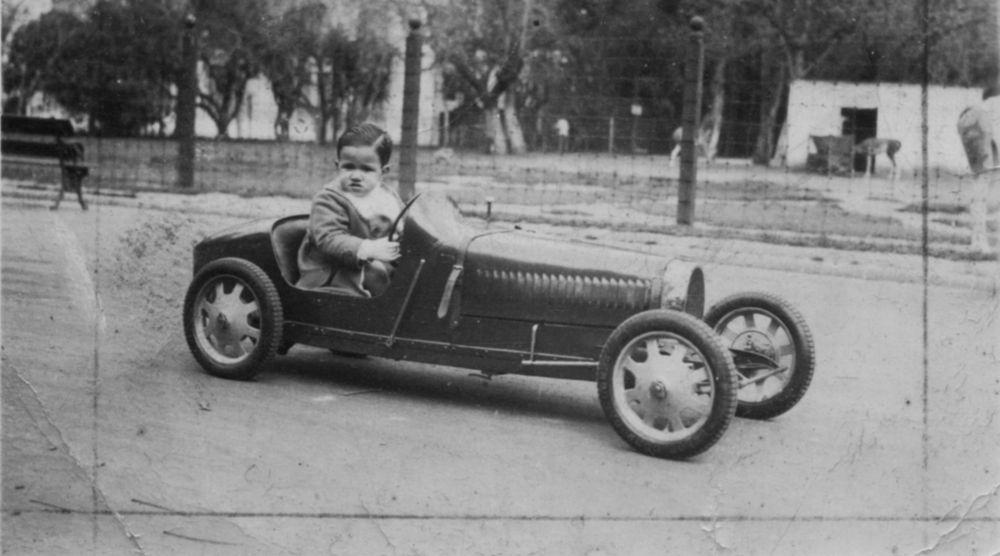 Bugatti52 slider