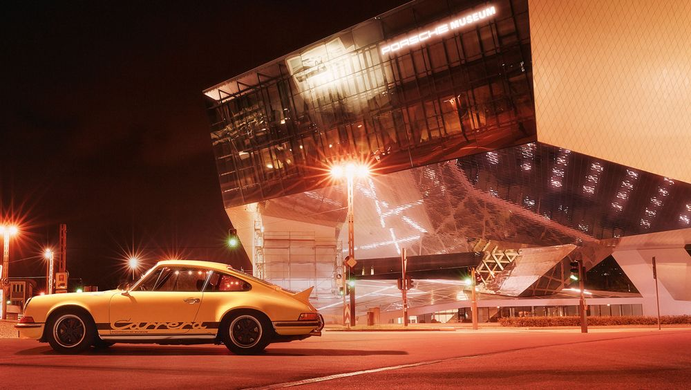 1171844_the_dream_car_of_the_year_1973_the_porsche_carrera_rs_2_7_outside_the_porsche_museum