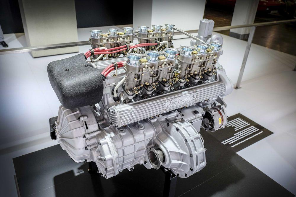 915012_Lamborghini Miura Engine P400S