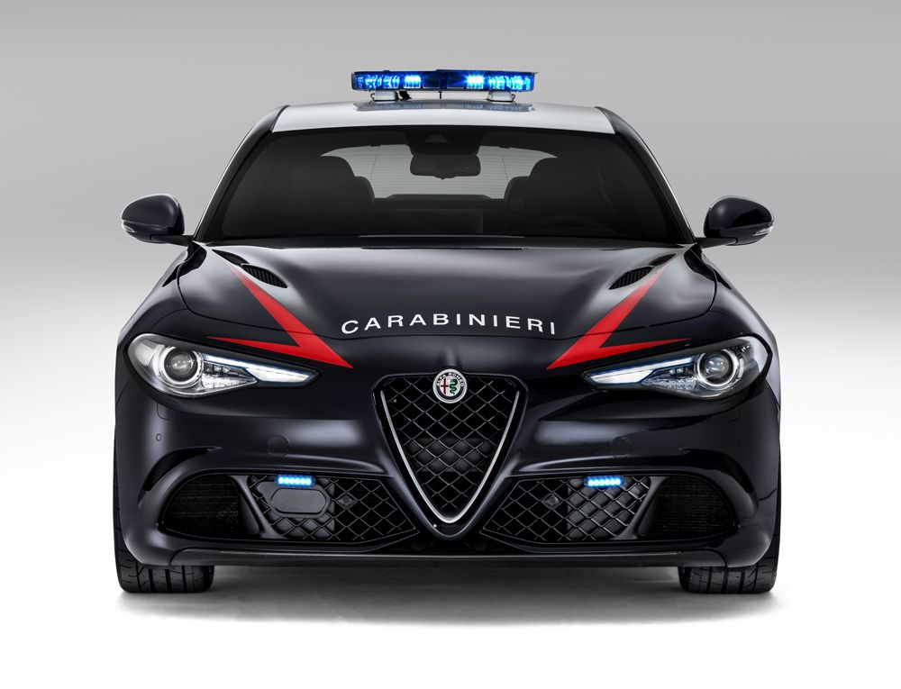 1188314_Alfa-Romeo_Giulia-Carabinieri_05