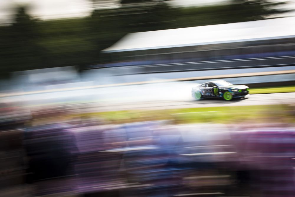 2016 Goodwood Festival Of Speed 23rd - 26th June 2016 FoS Thursday, 24th June. Goodwood, England. Batch Two, 2, Track Action Photo: Drew Gibson