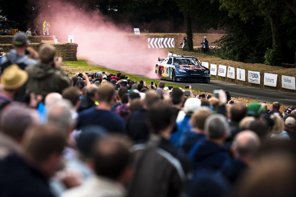 2016 Goodwood Festival Of Speed 23rd - 26th June 2016 FoS Saturday, 26th June. Goodwood, England. Batch 2, Two, Track Action Photo: Drew Gibson