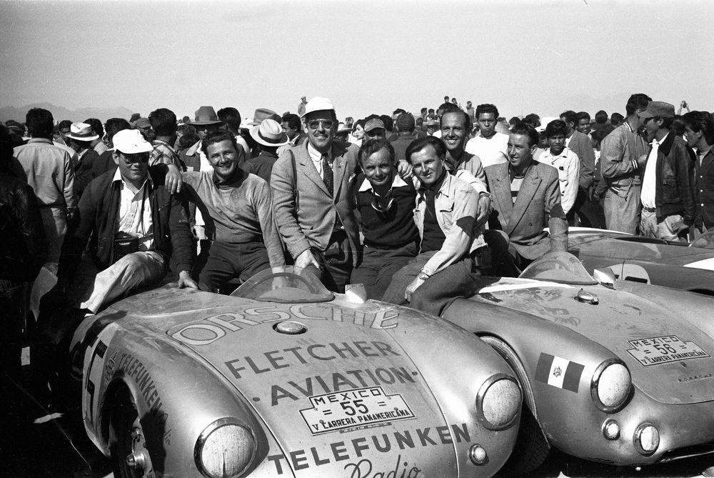 964887_1954, Porsche 550 Spyder, Herbert Linge, Hans Herrmann, Huschke von Hanstein, Jaroslav Juhan (l.-r.), Carrera Panamericana