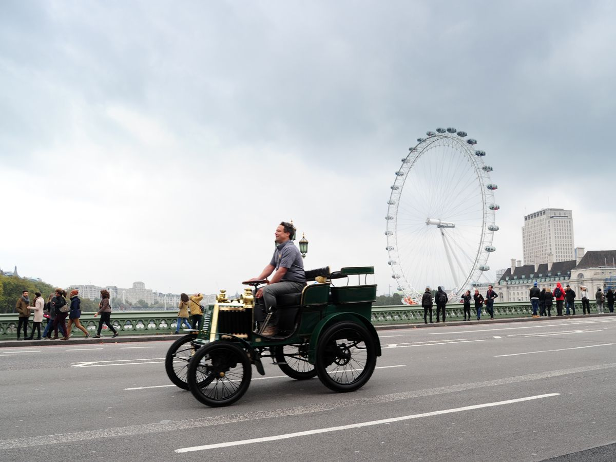 1276472_renault-returns-to-the-bonhams-london-to-brighton-veteran-car-run-for-2016-101016-2