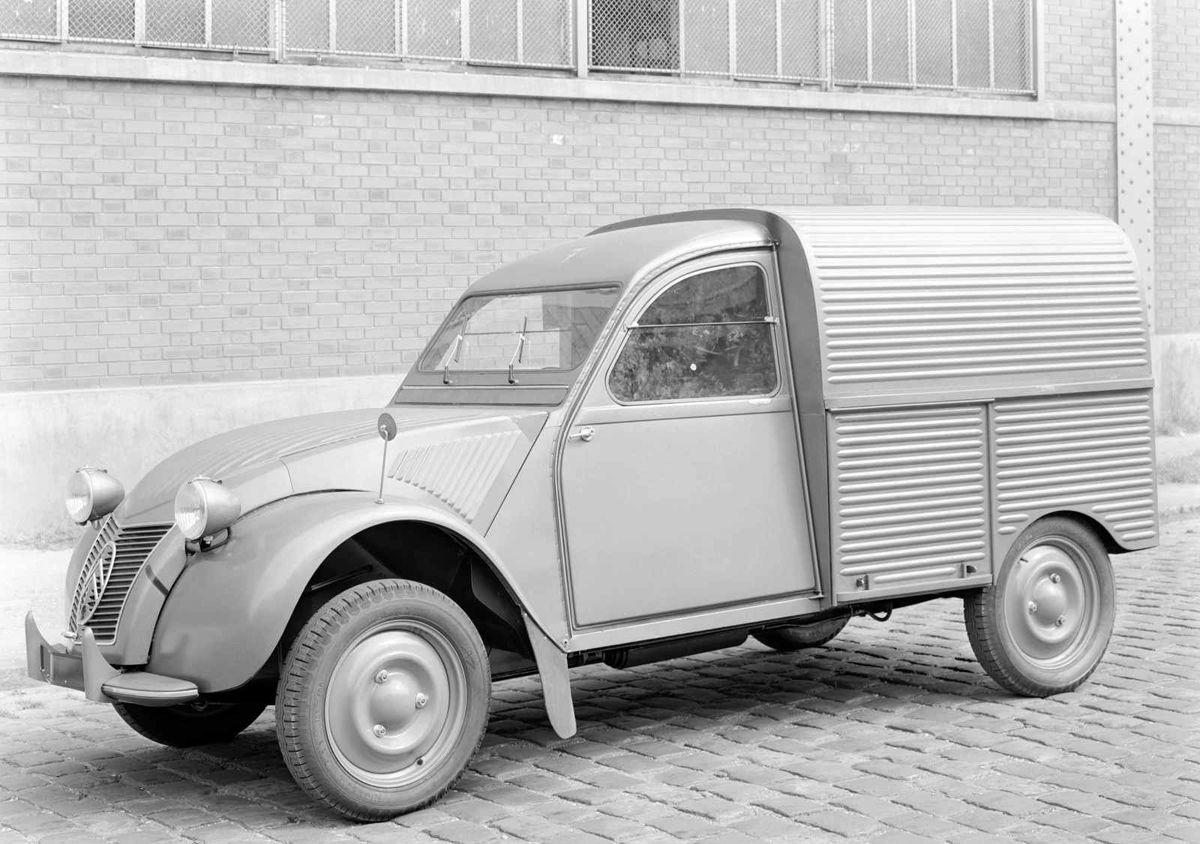 1034507_2CV AU 1951