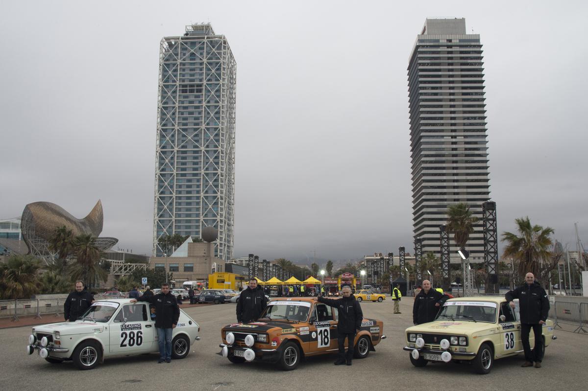 23.Foto-de-los-pilotos-del-equipo-SEAT-Coches-Histricos-en-Barcelona-momentos-antes-de-la-salida-del-XX-Rallye-Monte-Carlo-Histrico