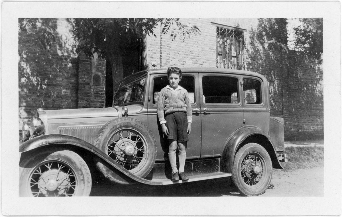 Ford A seis ventanas anverso
