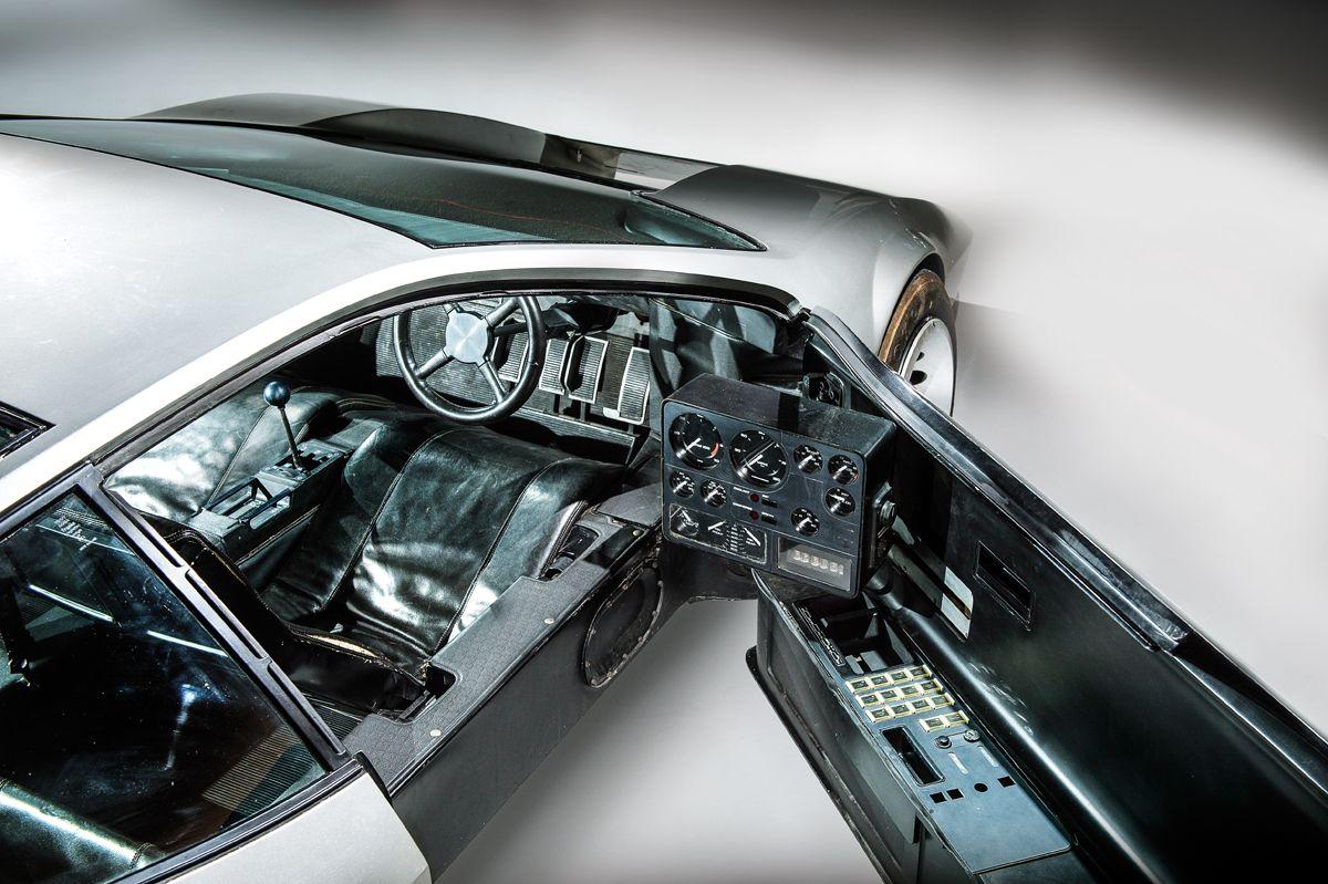 Vauxhall SRV interior credit James Lipman