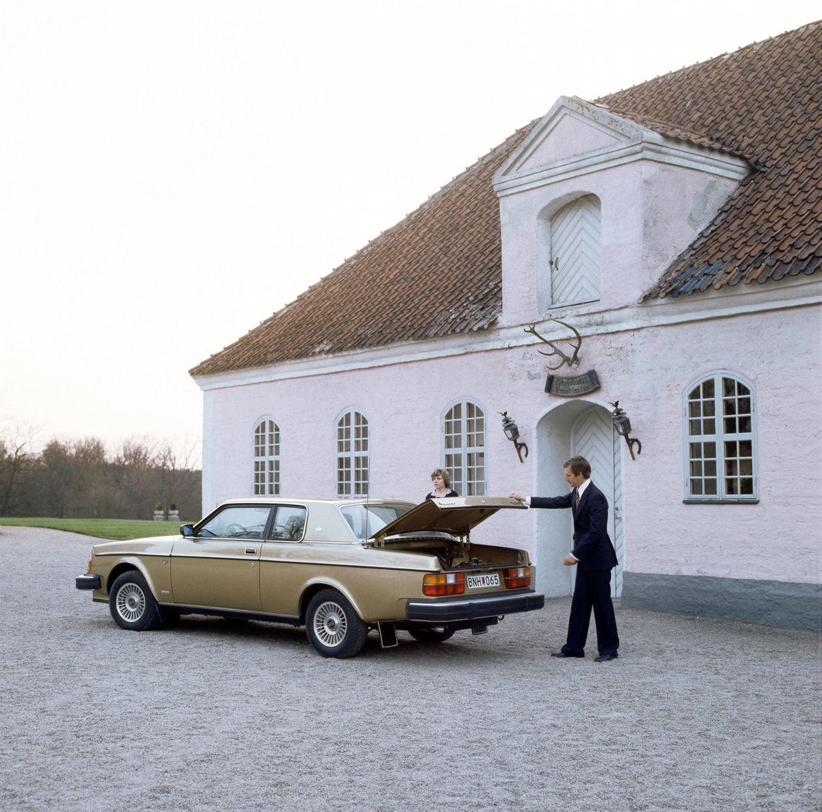 6115_Volvo_262_C