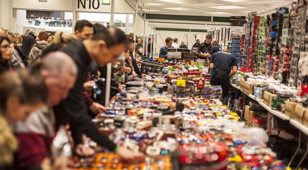 Busy traders The London Classic Car Show