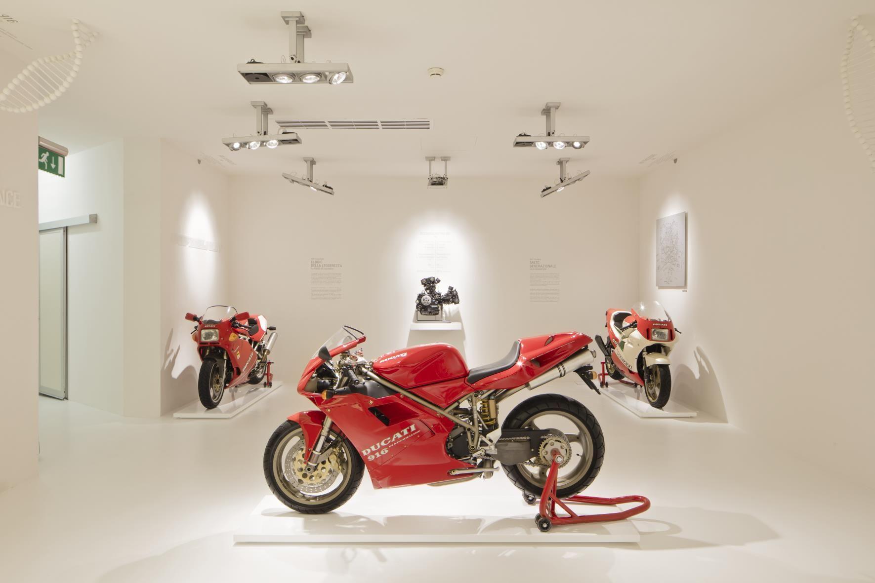 1383914_Ducati_Museum_-_Room_3