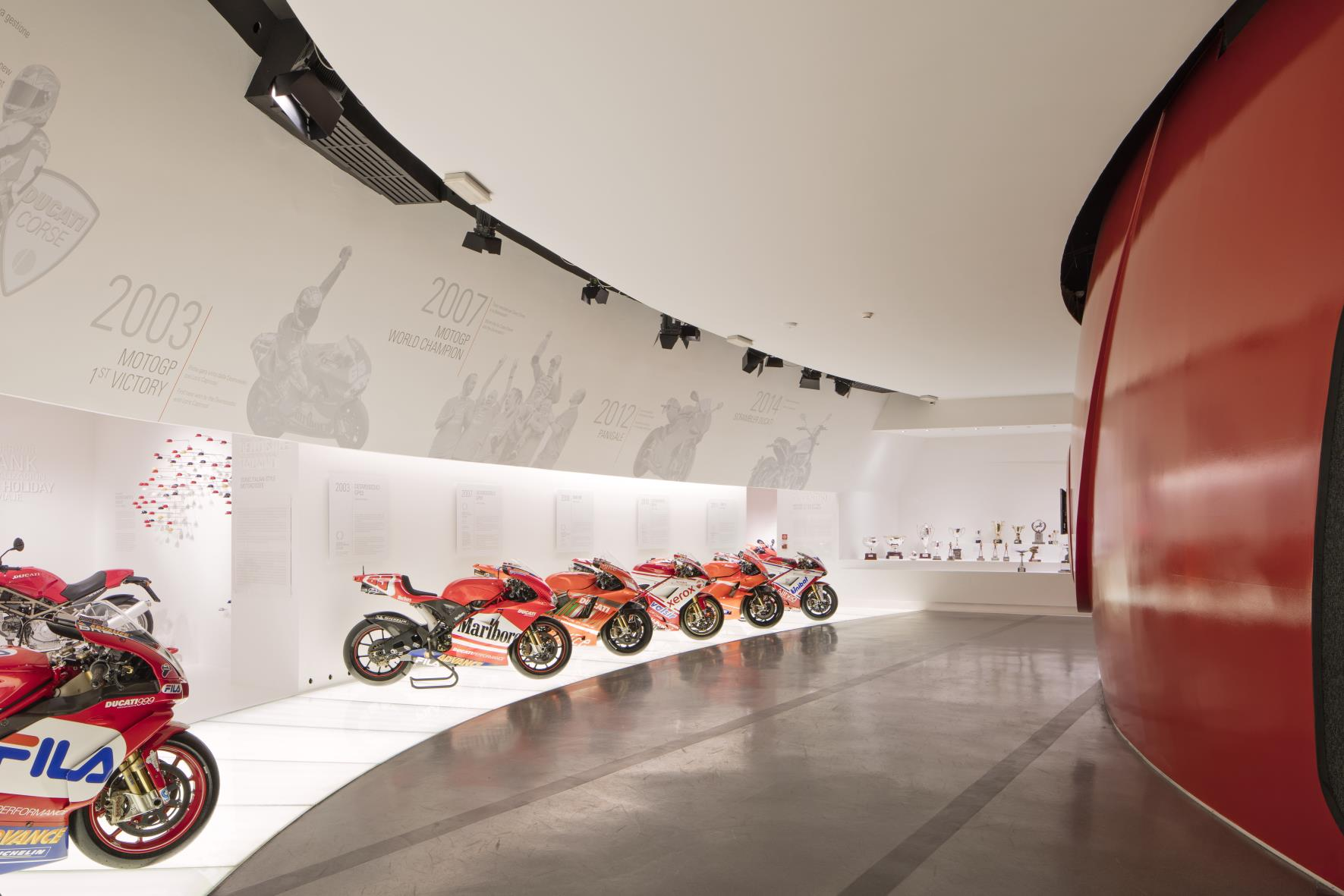 1383915_Ducati_Museum_-_06_Racing_Room