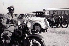 CA - 05/05/2016 - Em abril de 1936, um Opel Olympia chega ao Brasil, vindo da Alemanha, a bordo do dirig'vel Hindenburg.