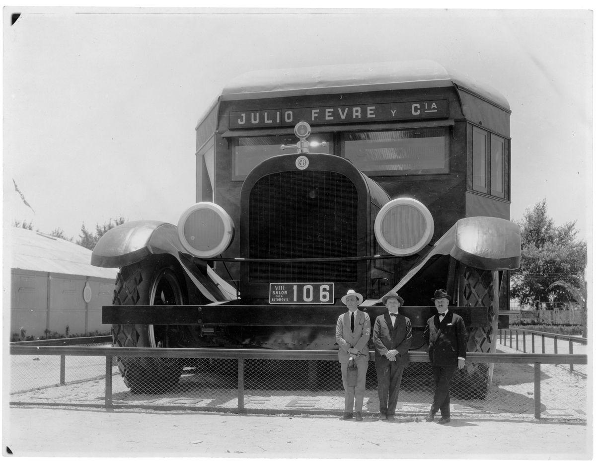 Graham y Dodge Stand frente_Fotografia HW Curtis Garay 494_VIII Salon del Automovil_Buenos Aires_Argentina