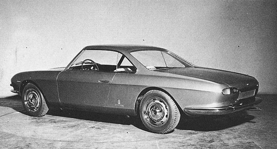 1963_Pininfarina_Fiat_2300_Lausanne_Coupe_04