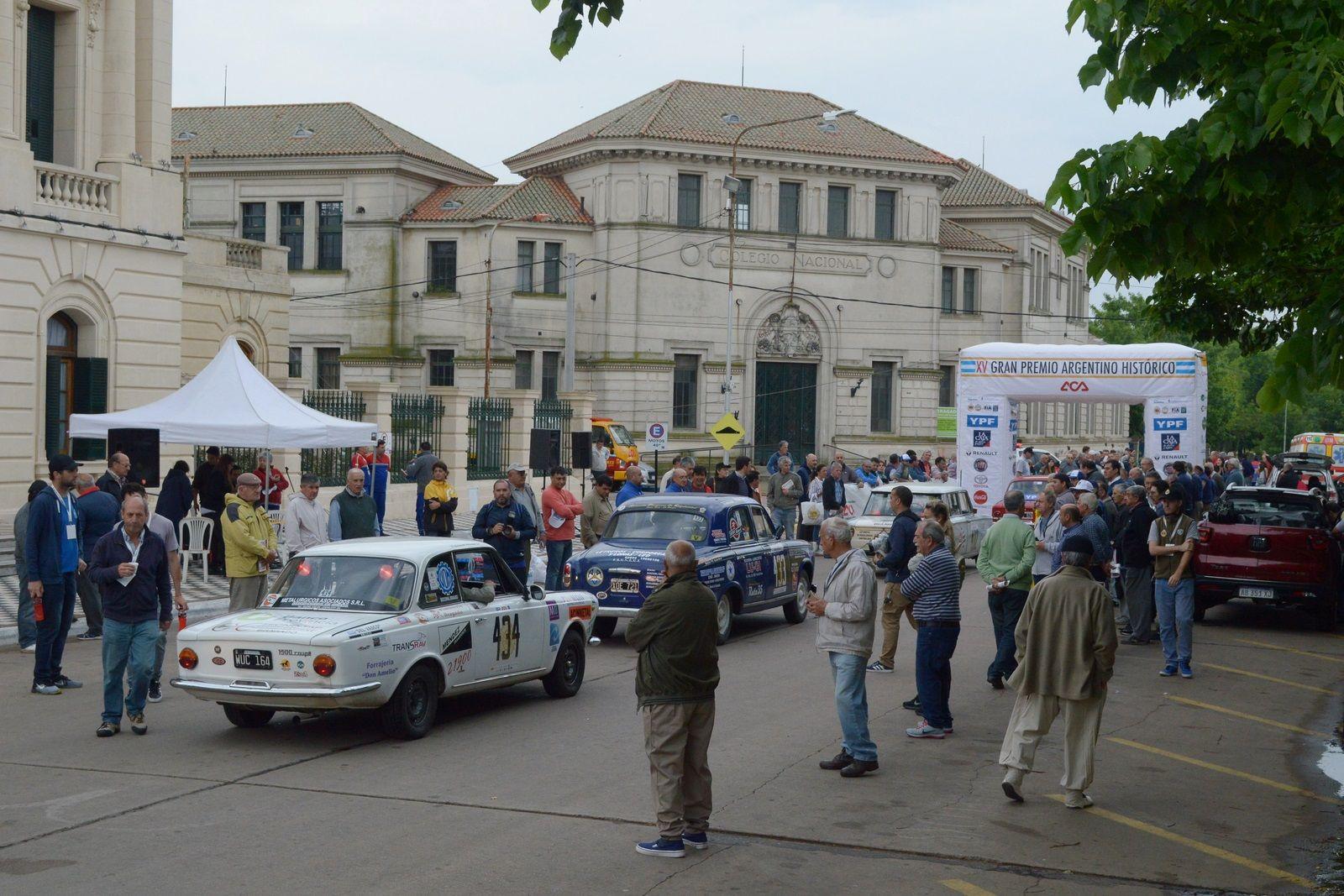 Largada Bragado frente a la Municipalidad (5)