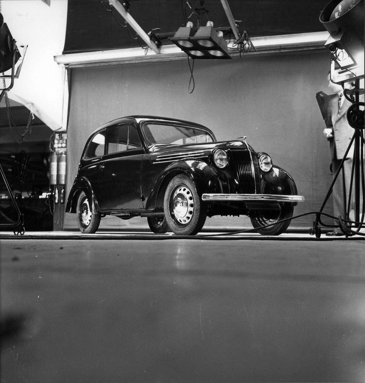 1937 - Renault JUVAQUATRE