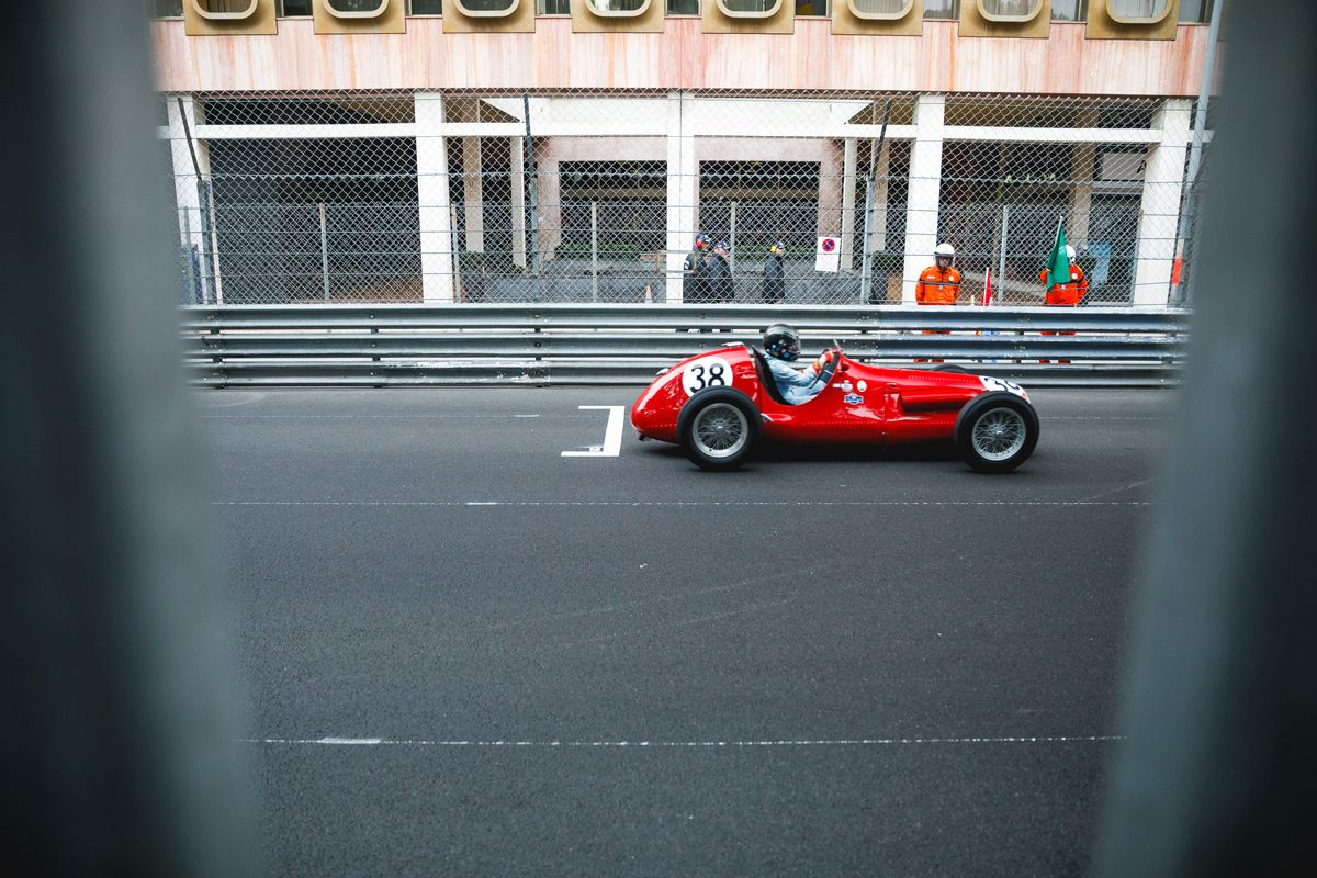 1561501_Grand_Prix_Maserati_A6GCM_
