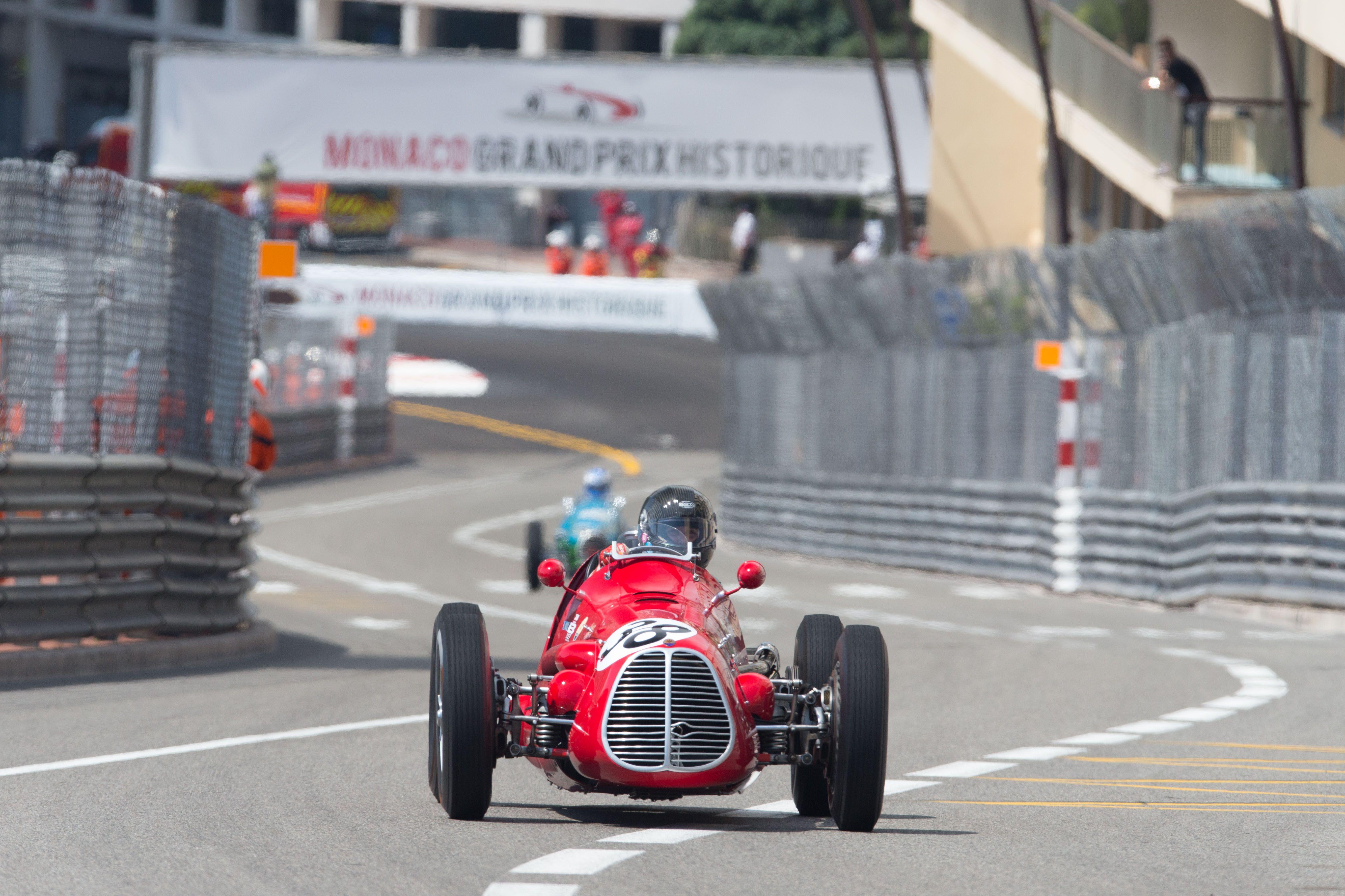 1561522_Grand_Prix_Maserati_A6GCM_RenePhoto