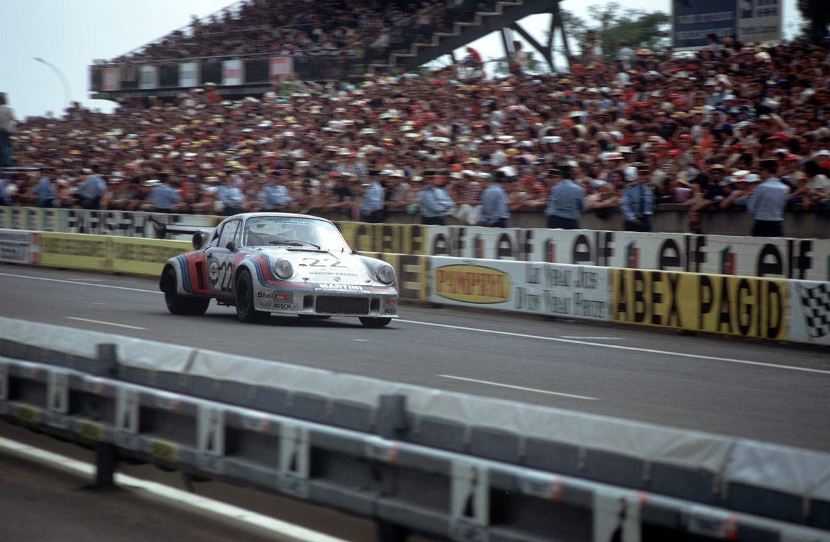 1974 24h Le Mans Herbert MÅller and Gijs van Lennep in a 911 Carrera RSR Turbo