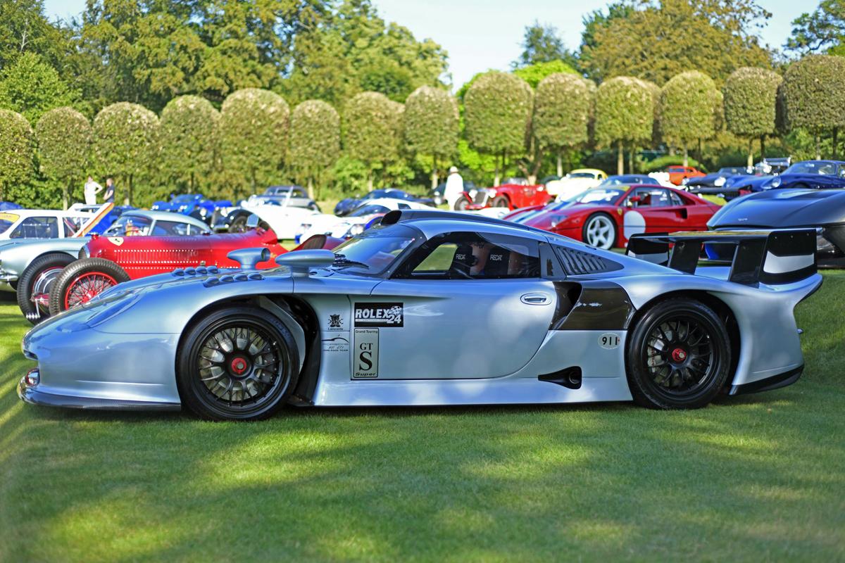 1581770_1997 Porsche 911 GT1 Evolution