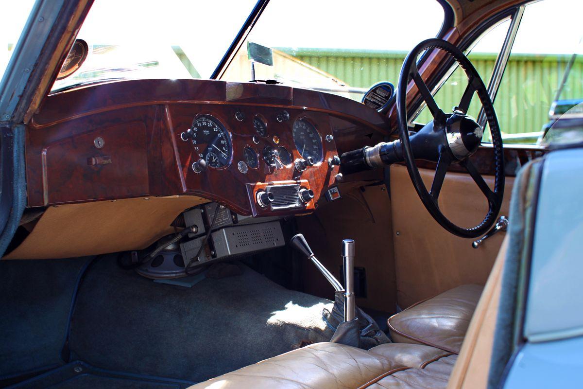 DM Historics Jaguar XK120 6