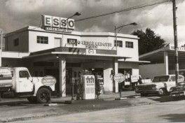 Uruguay_Canelones_Servicentro Esso de Julio Cesar Capotte e hijos_1970slider