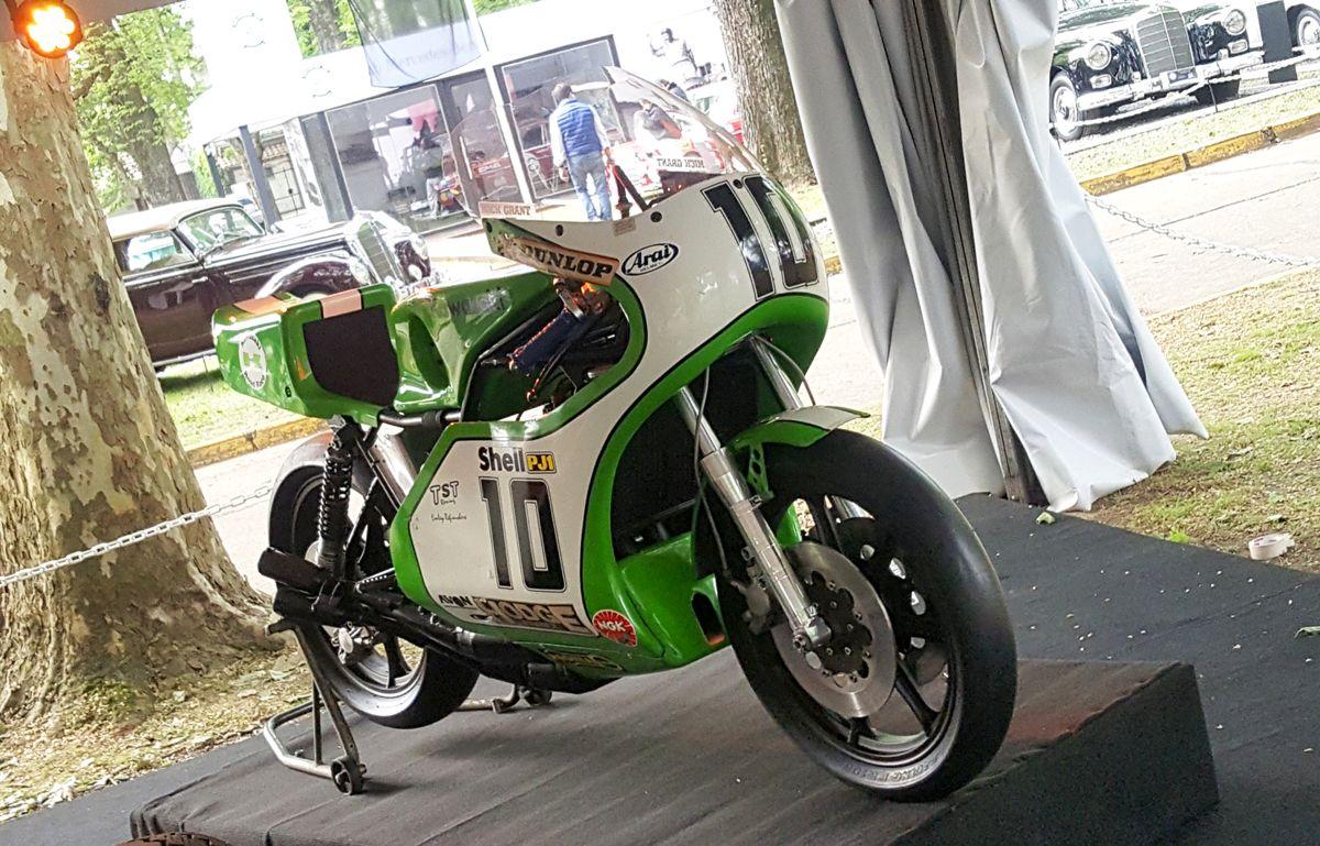 Kawasaki KR750 1977, ganadora del Classic Tourist Trophy en 1977_edited-1