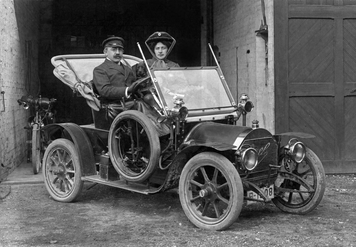 "Opel 4/8 PS ""Doktorwagen"""