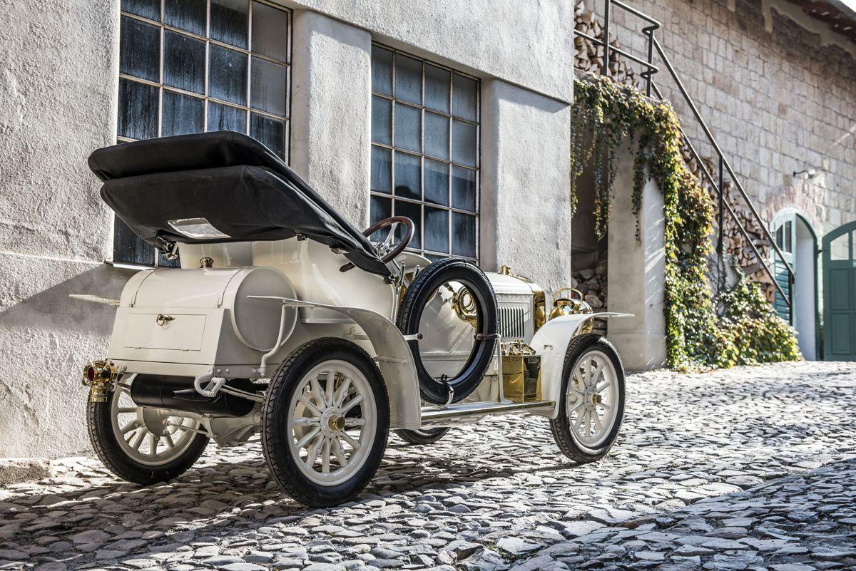 el-museo-koda-presenta-el-unico-modelo-superviviente-del-coche-deportivo-laurin-klement-bsc-de-1908 (12)