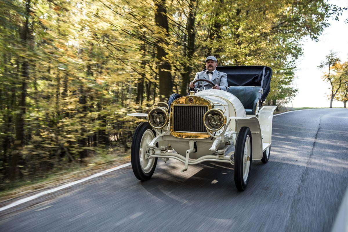 el-museo-koda-presenta-el-unico-modelo-superviviente-del-coche-deportivo-laurin-klement-bsc-de-1908 (13)