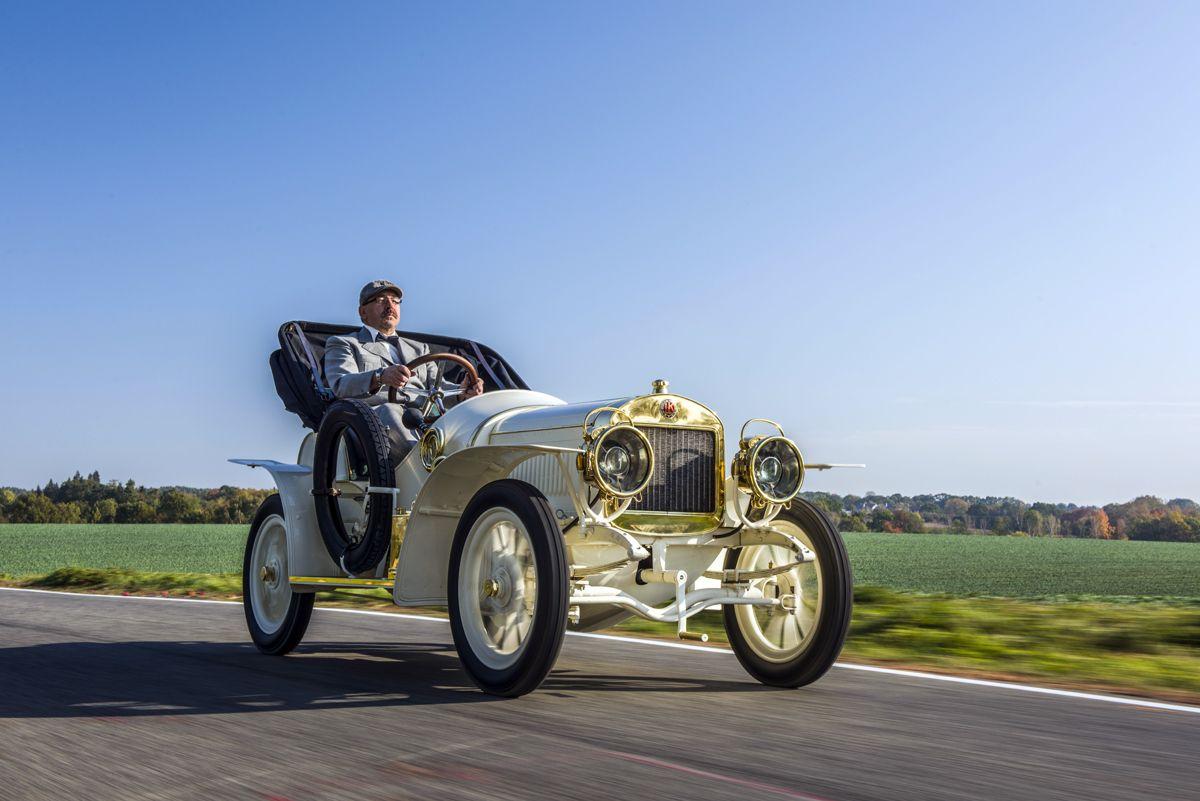 el-museo-koda-presenta-el-unico-modelo-superviviente-del-coche-deportivo-laurin-klement-bsc-de-1908 (16)