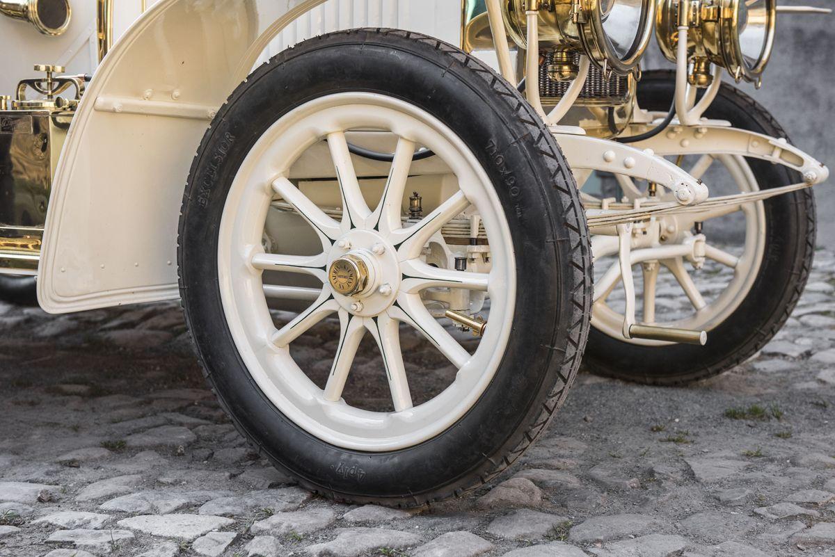 el-museo-koda-presenta-el-unico-modelo-superviviente-del-coche-deportivo-laurin-klement-bsc-de-1908 (21)