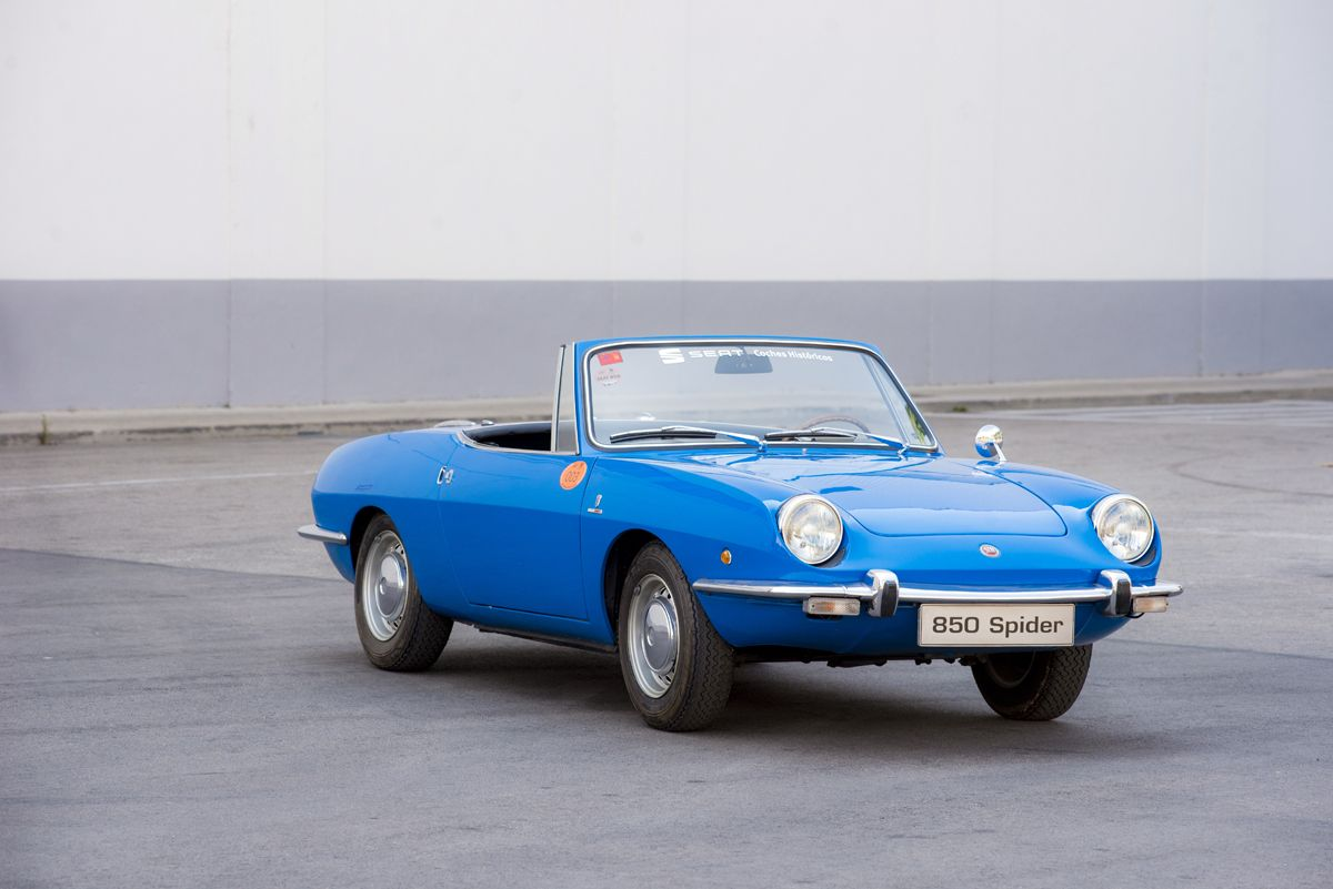 1301252_1970-SEAT-850-Spider_HQ