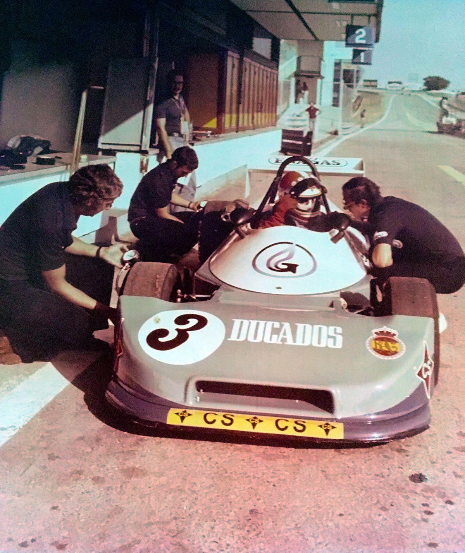 1334748_Jarama 1977 Luis en boxes con Roger