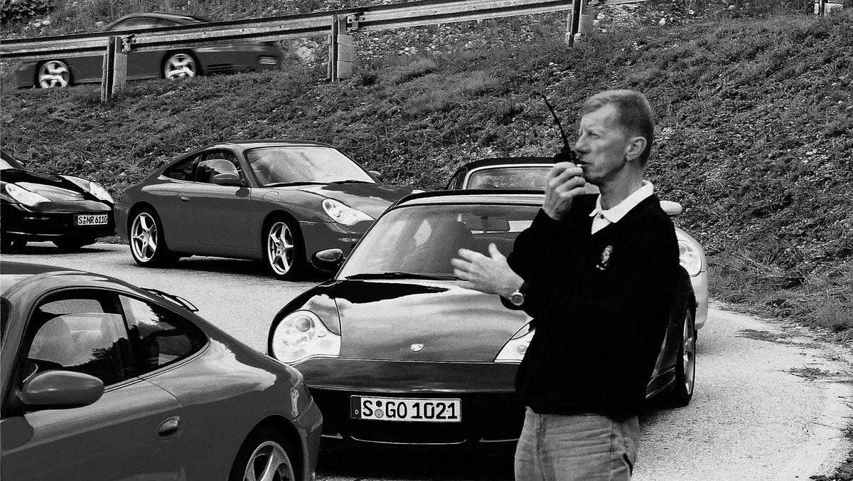 3802188_walter_roehrl_911_carrera_3_6_coup__911_carrera_3_6_cabriolet_model_year_2002_porsche_driving_school_2002_porsche_ag