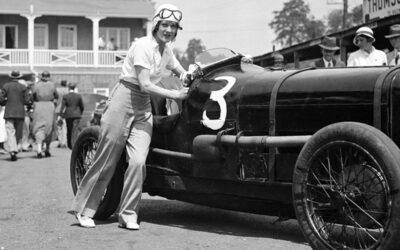 8 de marzo, día de la mujer automovilista