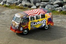 VW LIght Bus_H__9624slider