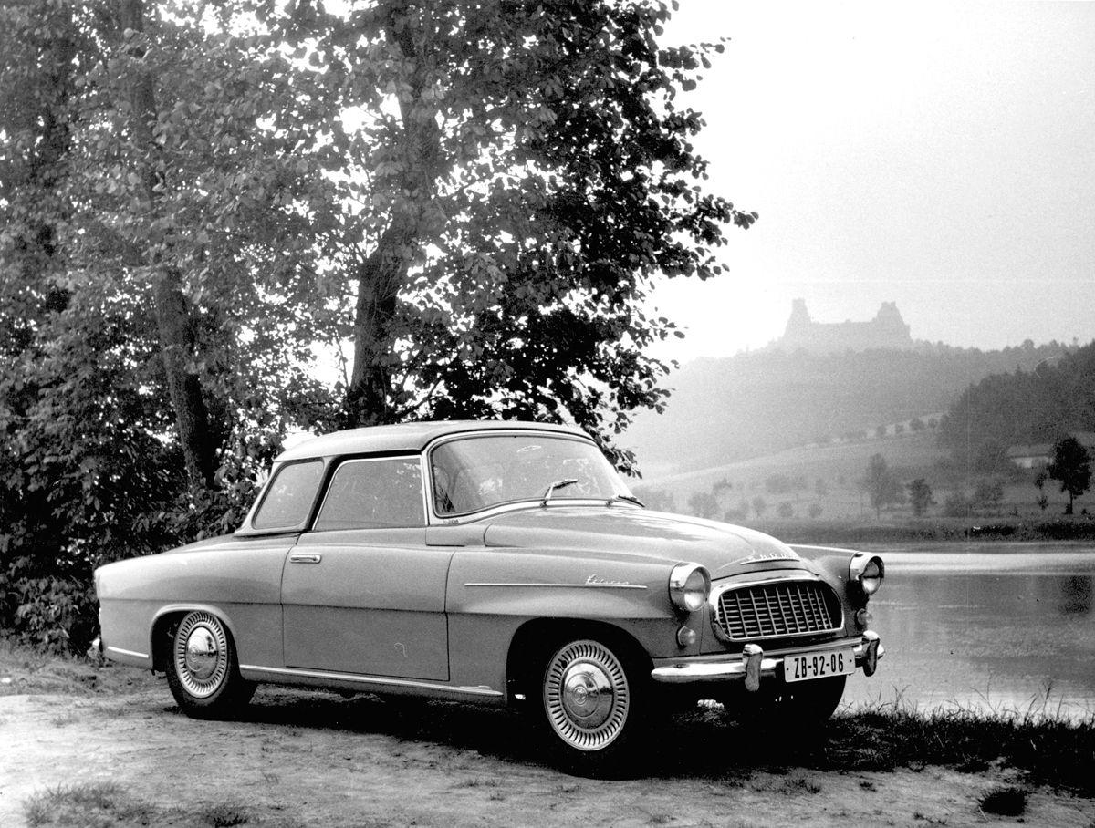 skoda-felicia-near-trosky-czechoslovakia-in-1959