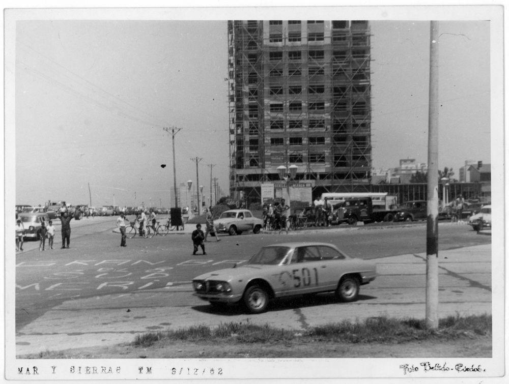 Alfa Romeo 2600_Alberto Rodriguez Larreta_GP Mar y Sierras 1962_Foto Bellido_Argentina