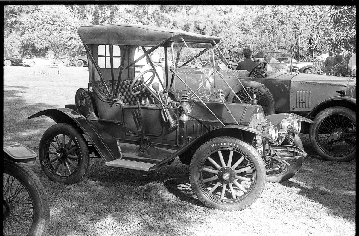 El Buick 1910 que se llevó el primer premio de los veteranos, el estado es impecable, llegó sobre un trailer