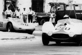 Maserati Birdcage y Porsche_1000 KM Bs As_slider