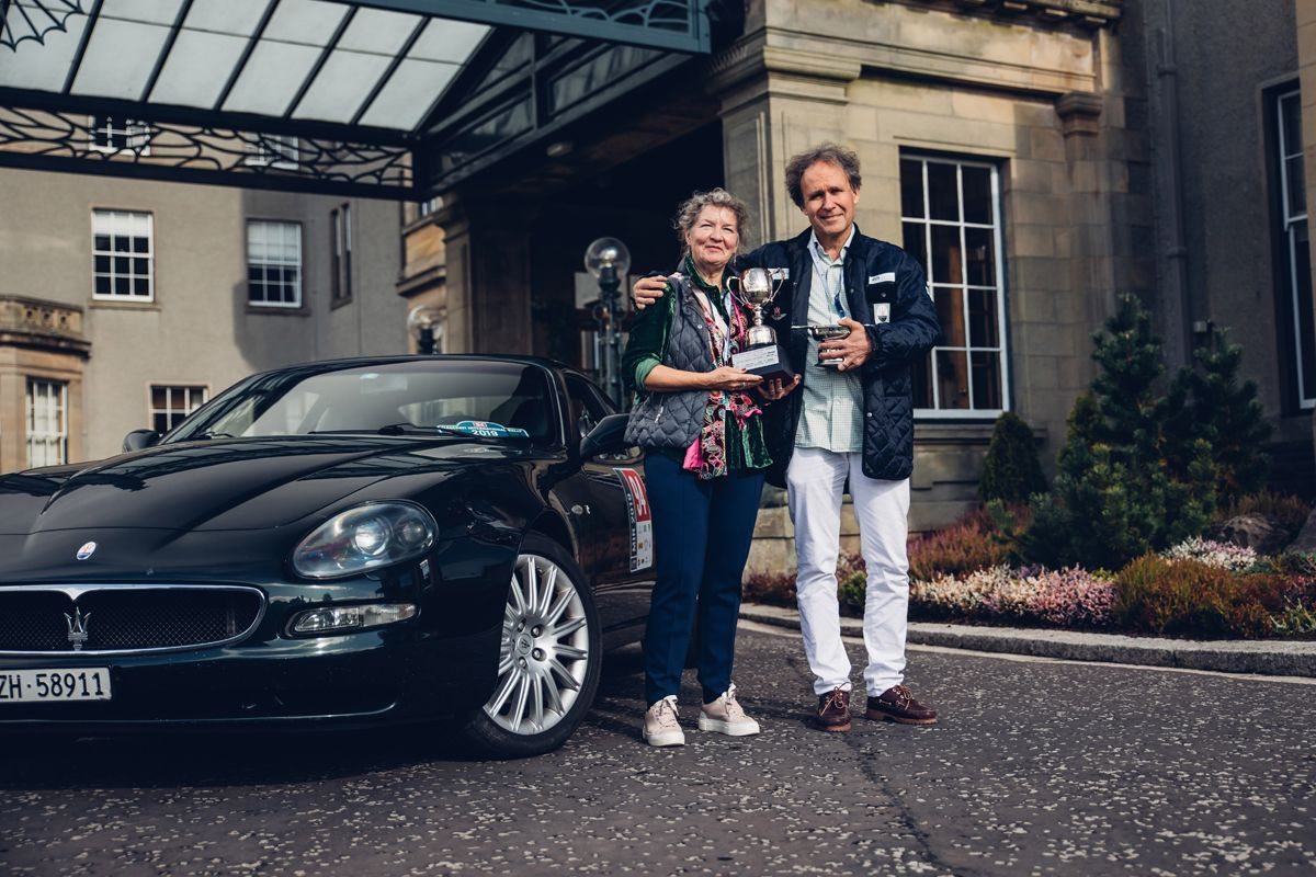 Maserati_International_Rally_2019_Gleneagles Hotel_Winners of the Peter Martin Trophy with their Maserati CoupÇ