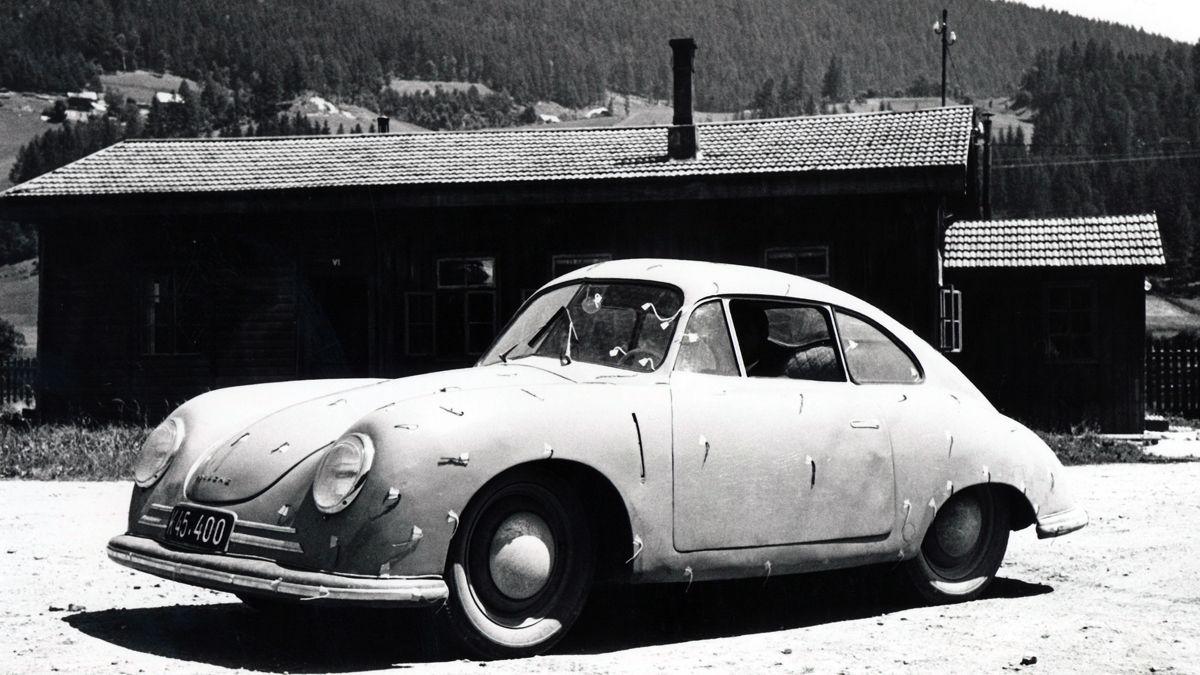 1446815_porsche_356_2_coupé_porsche_factory_side_gmuend_kaernten_1948_porsche_ag_1