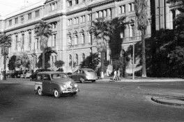 Crosley frente a la Universidad Catolica slider